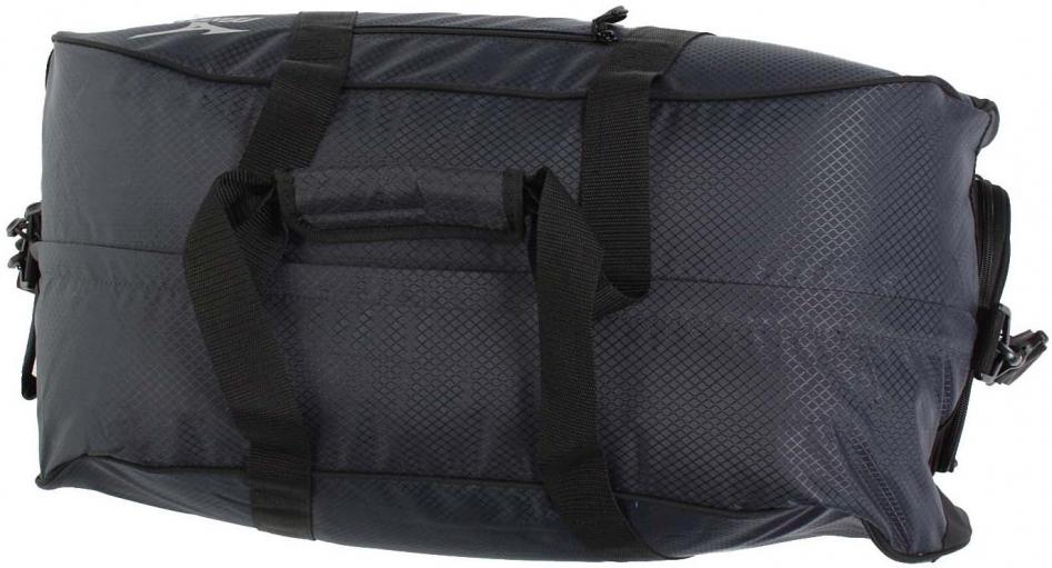 Вместительная спортивная сумка Mizuno Boston Bag Large.  Укрепленное основание и вентиляция сегментов сумки.